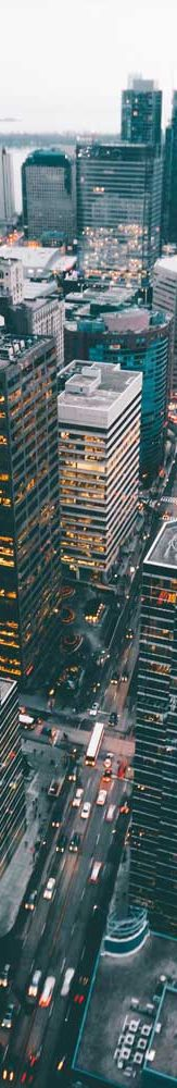 Panoramablick auf die Großstadt bei Nacht